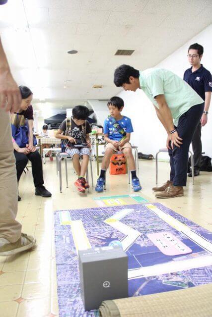 取手こどもアートフェスタ:Sphero社のSPRK+を使った電子ボールプログラミングで、夢中になる子供たち