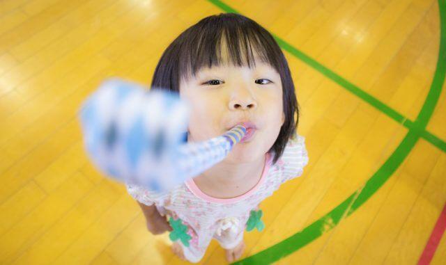 生きやすい環境と生き抜く力:自然体の子供