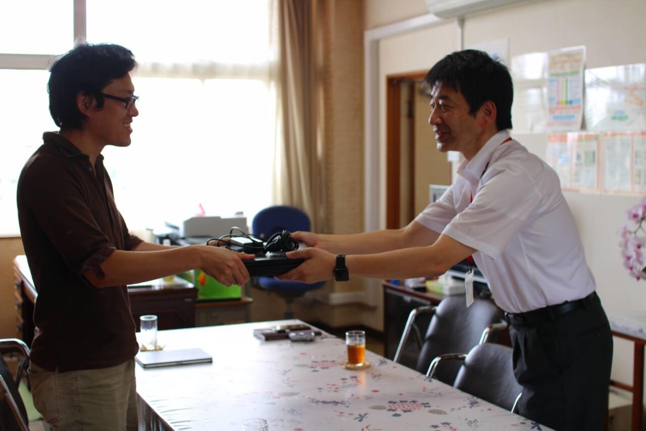 水戸市立石川小学校にパソコンを貸し出ししました。